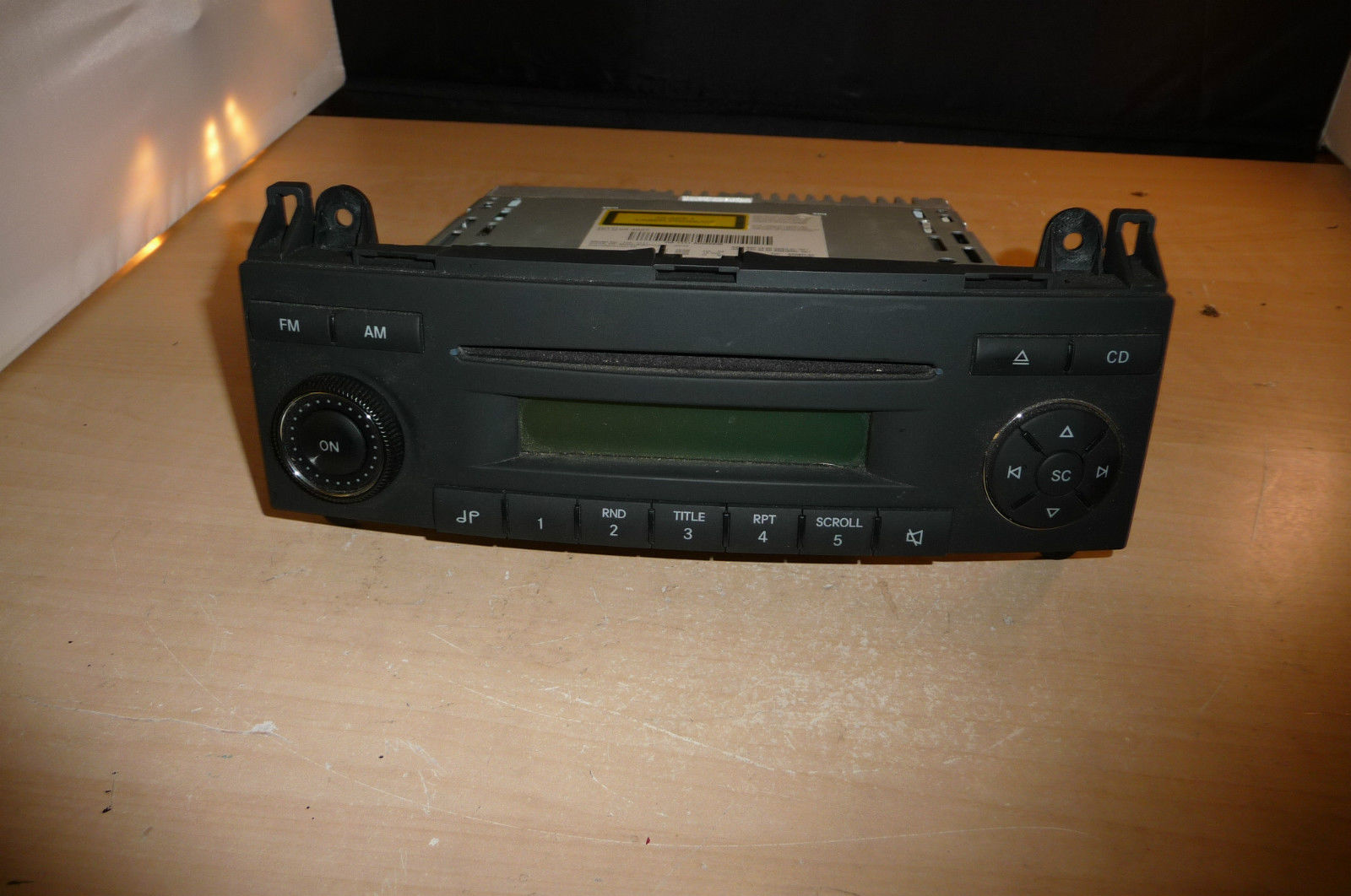 Radio code for mercedes sprinter van for Mercedes benz radio code