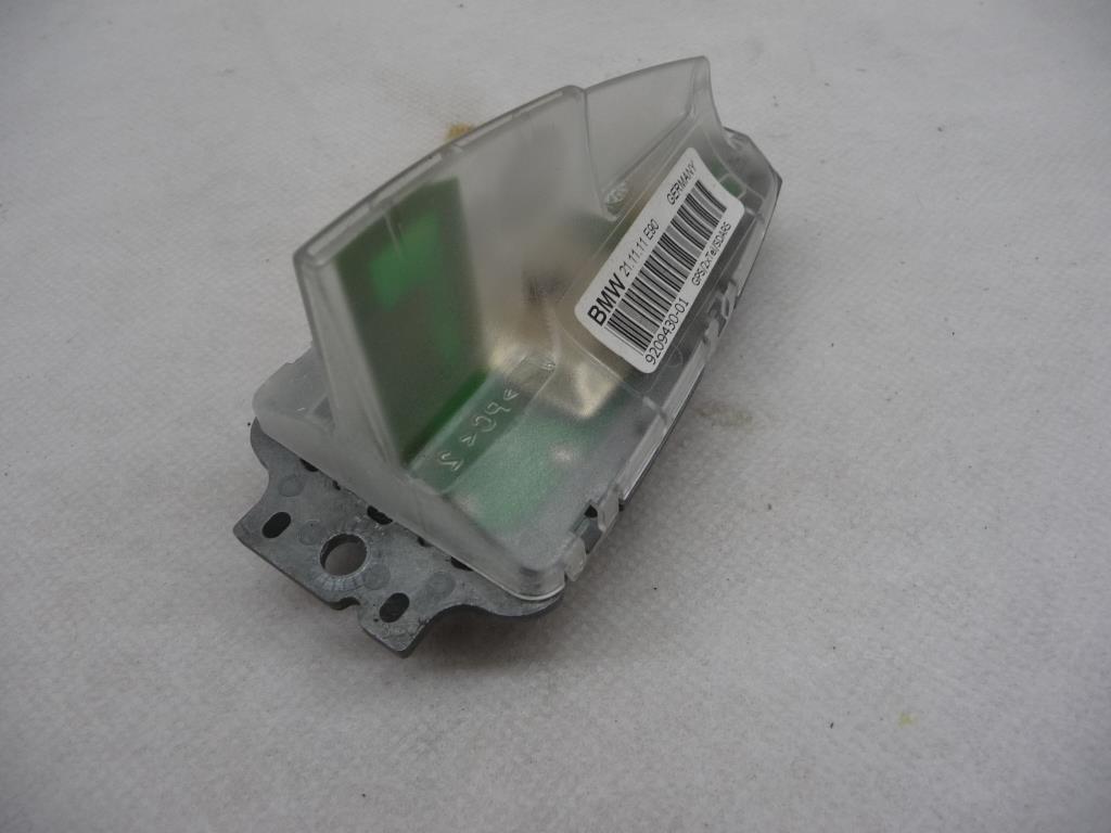 2007 2008 2009 2010 2011 2012 BMW 1 3 Series E82 E88 E90 E92 128i 135i 328i 335i GPS/2xTel/SDARS Roof Antenna 65209209430 ; 65206972310 OEM OE