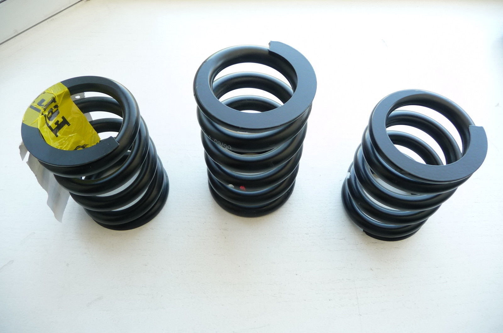 Ferrari 360 F360 two Front 181420 one Rear 181421 Spring 0,0463 MM/KG (15mm) NEW - Used Auto Parts Store   LA Global Parts