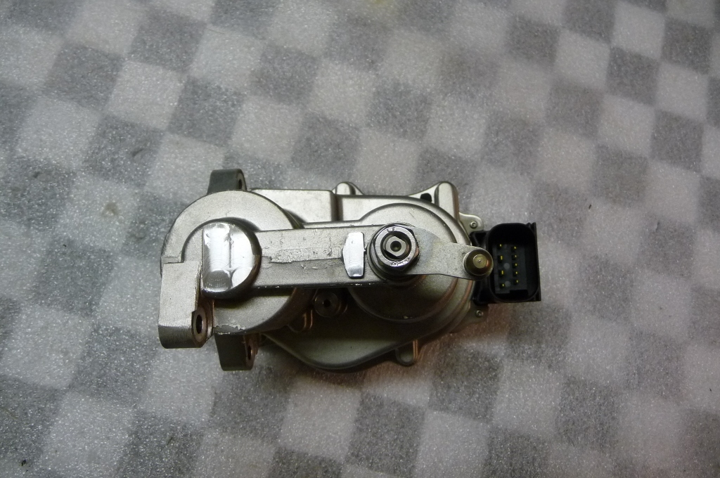 2008 2009 2010 2011 2012 2013 BMW E90 E92 E93 M3 Fuel Injection System Actuator, Electronic Throttle Body Actuator 13627838085 OEM OE