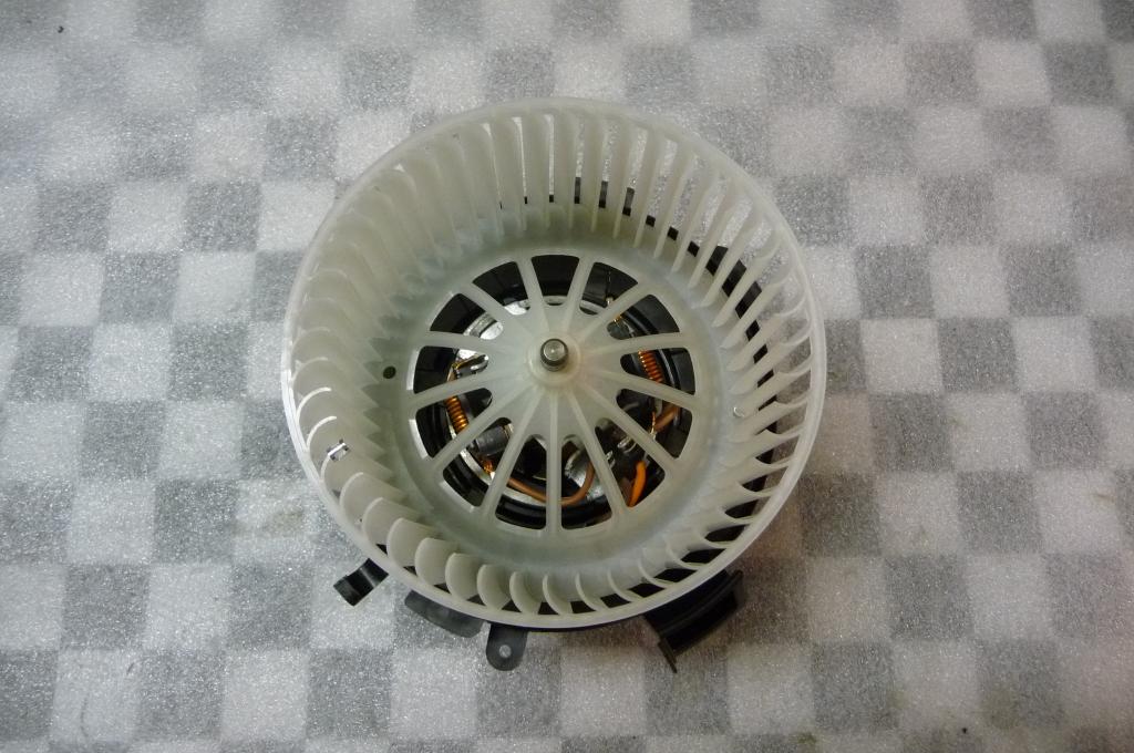 Mercedes Benz Sprinter 2500 3500 HVAC Heater Blower Motor NEW A 0008356107 OEM