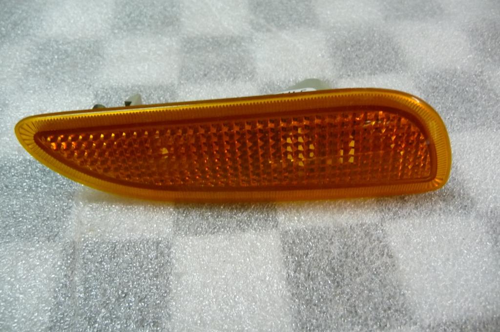 Mercedes Benz C CLK Front Bumper Right Side Marker Lamp Light NEW A 2098200221