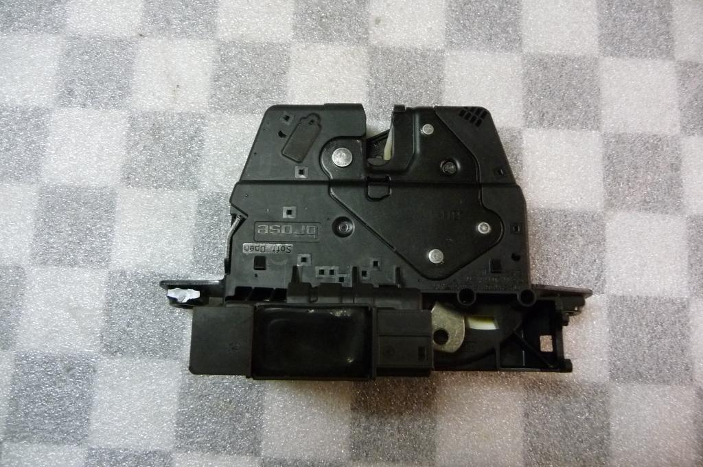 BMW 5 7 Series X5 Rear Trunk Lid Top Lock 51247269543 OEM OE