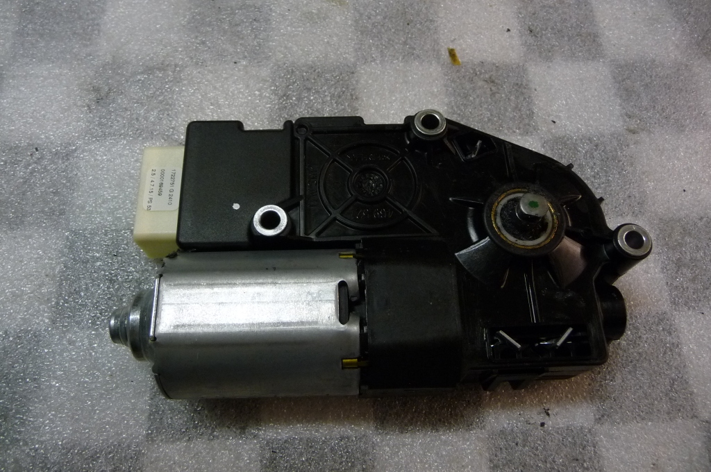 Mercedes Benz C E Class Glass Sliding Roof Geared Motor Drive A 2128200308 OEM