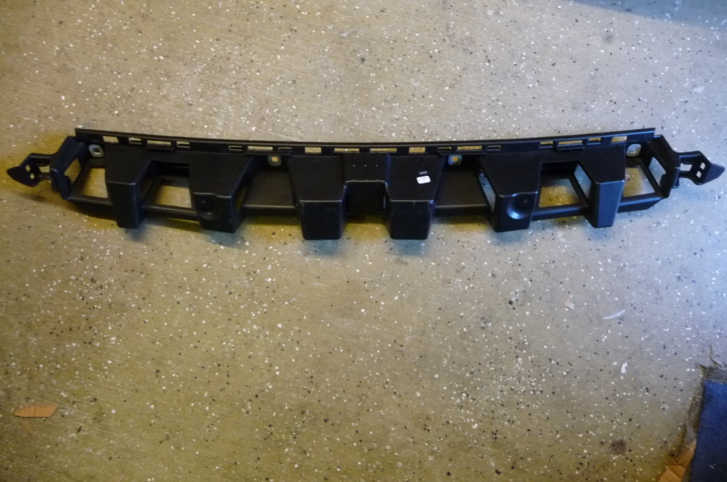 2012 2013 2014 2015 Mercedes Benz W166 ML350 ML550 Rear Bumper Central Basic Mounting, Impact Absorber -NEW- A 1668850165 OEM OE