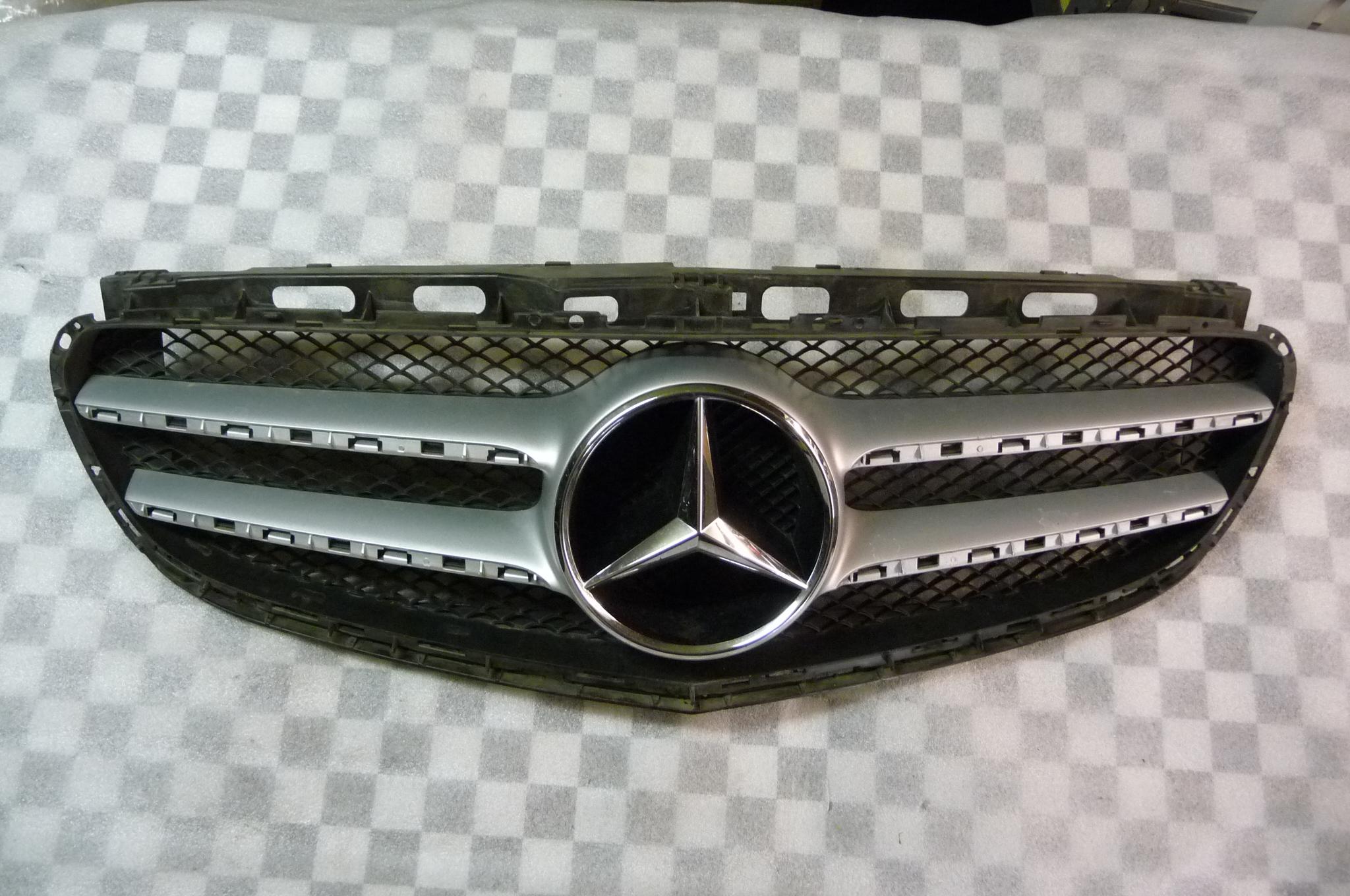 Mercedes Benz W212 E-Class E350 E400 E550 Front Grill Grille 2128850822 OEM OE
