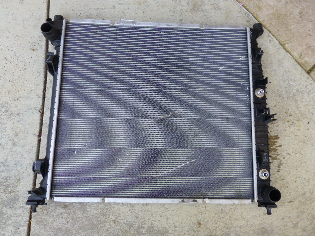 Mercedes Benz GL ML Cooling System Radiator A 0995004603 OEM OE