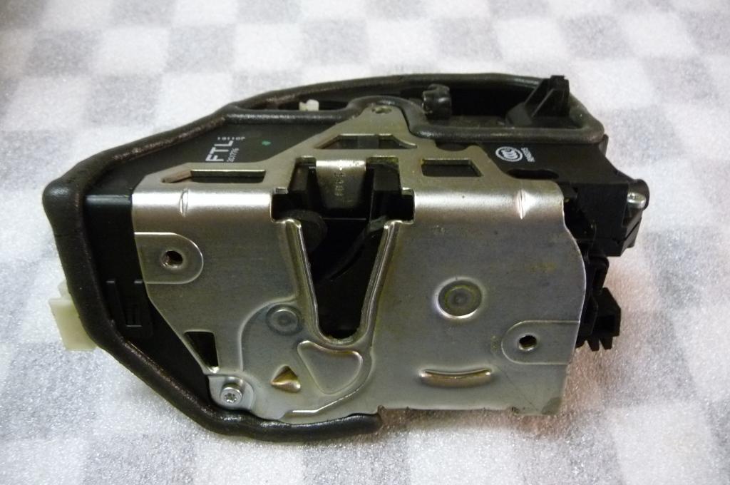 BMW 1 3 5 6 7 Series X3 X5 X6 Z4 Front Left Door Lock Locking System 51217202143