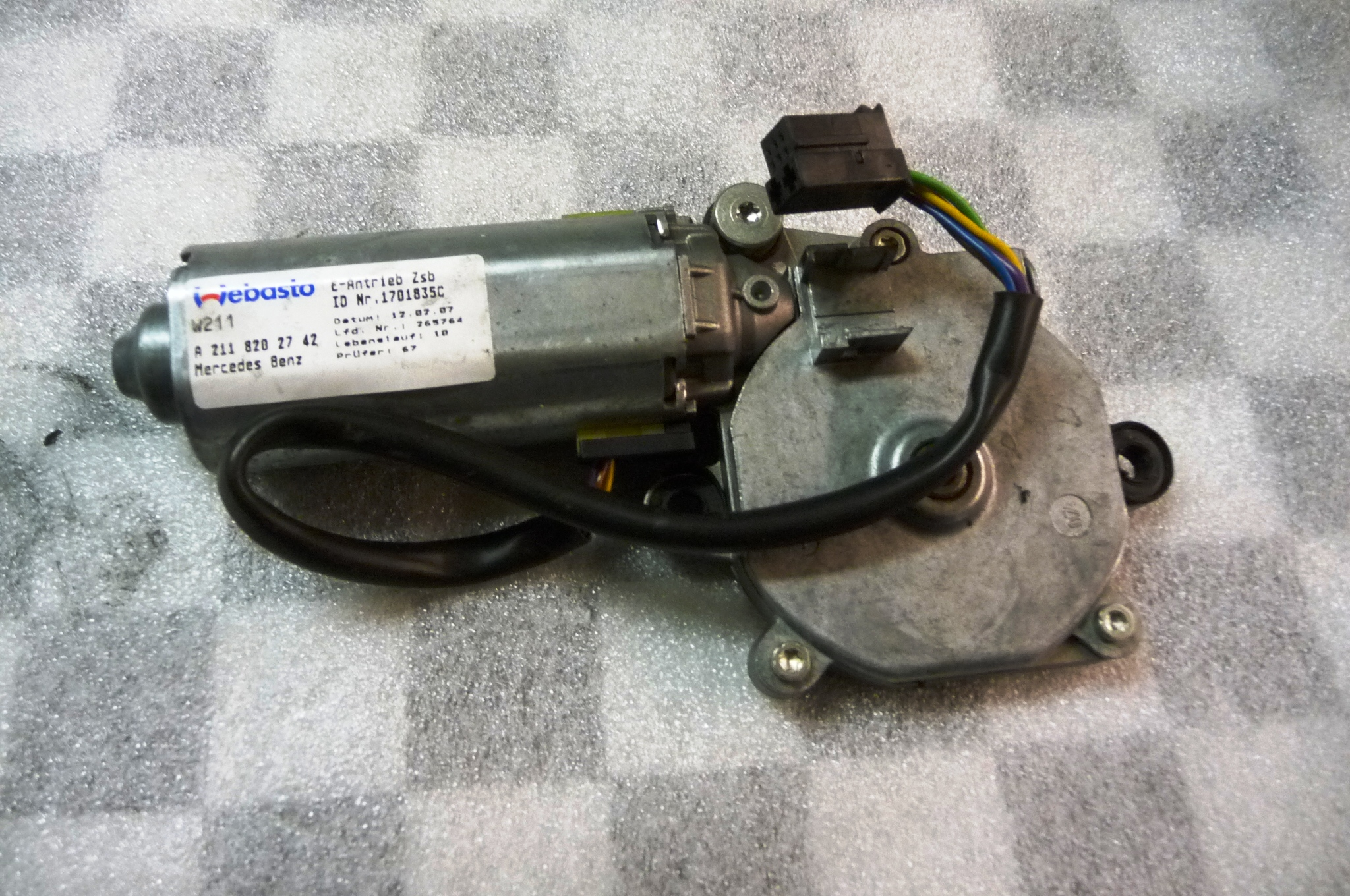 Mercedes Benz E S MAYBACH Panoramic Sliding Roof Drive Motor A 2118202742 OEM
