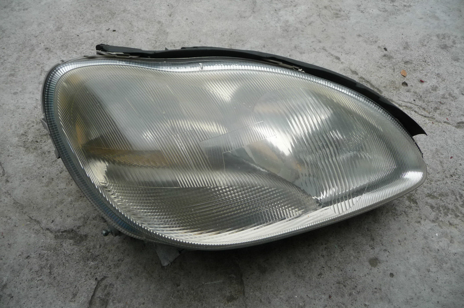 Mercedes Benz S Class W220 Headlight Right Passenger Xenon Complete 2208201261 - Used Auto Parts Store | LA Global Parts