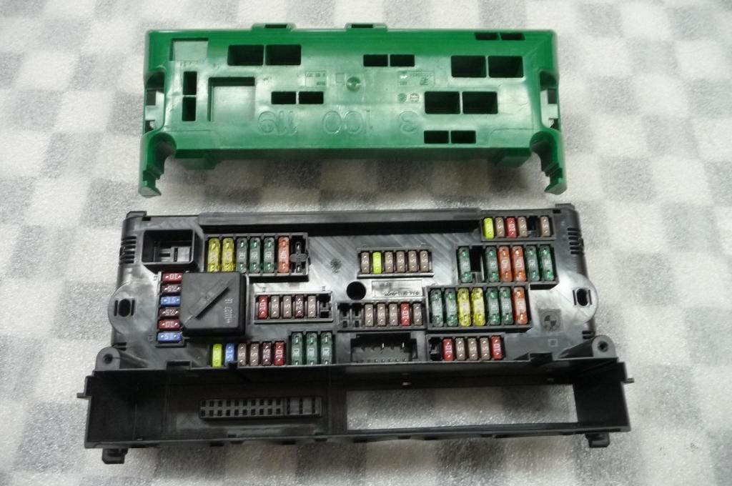 BMW 5 6 7 Series Front Power Distribution Box 61149234421 OEM OE