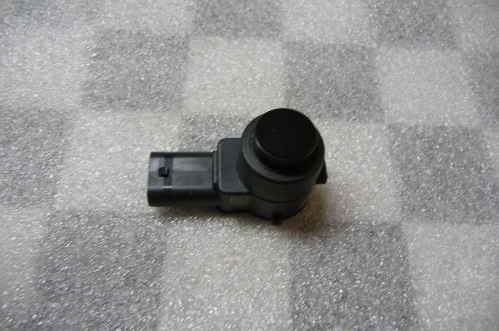 Mercedes Benz Parktronic Parking Distance Control System PDC Sensor 2215420417