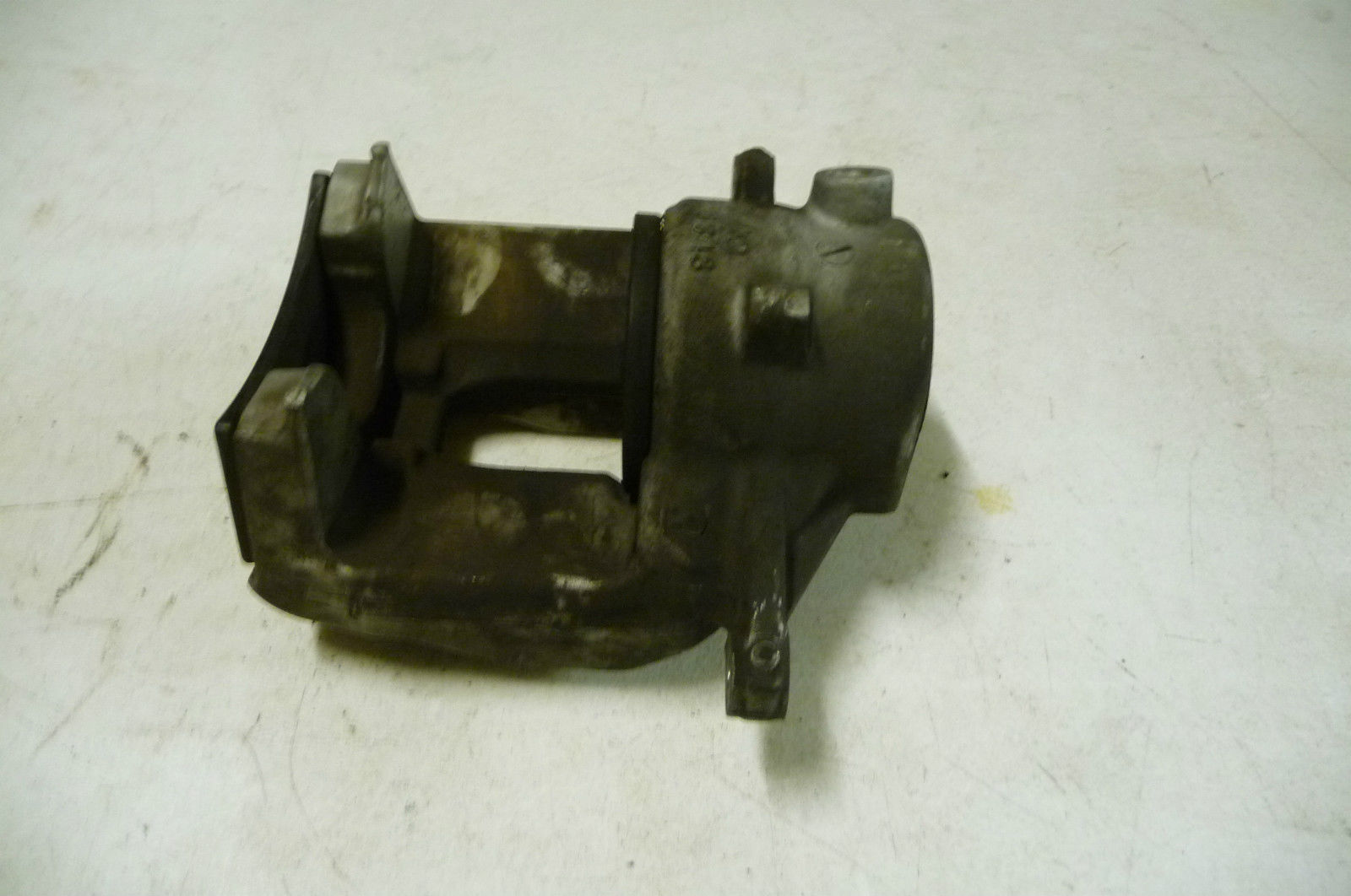 Mercedes benz front wheel brake caliper right without for Mercedes benz brake tools