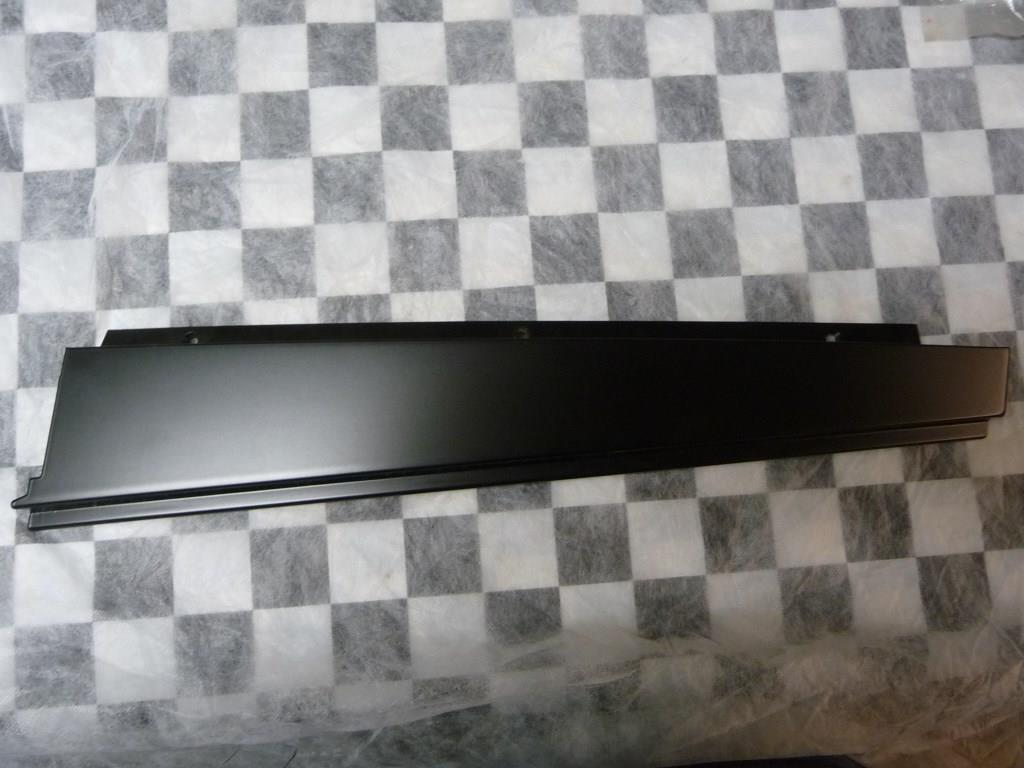 1997 1998 1999 2000 2001 2002 2003 BMW E39 525i 528i 530i 540i Rear Right Passenger Side Door Frame Moulding 51348159874 OEM