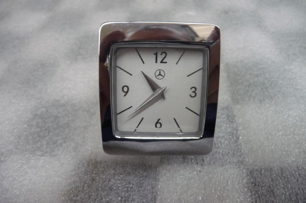 Mercedes Benz E Class Analog Clock A2188274300 OEM A1 | LA