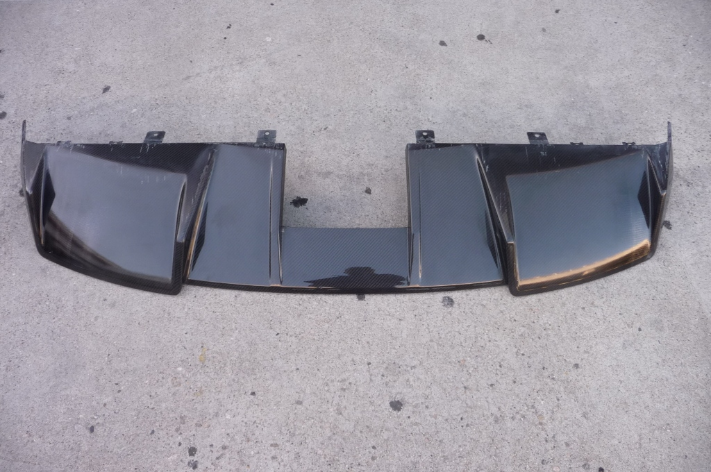 2004-2008 Carbon Fiber Lamborghini Gallardo Rear Bumper Lower Cover Diffuser 400807527 OEM A1