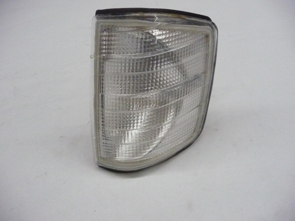 1984 1985 1986 1987 1988 1989 1990 1991 1992 1993 Mercedes Benz 190D 190E Left Front Indicator Light Blinker Lamp Aftermarket 440-1503L-C