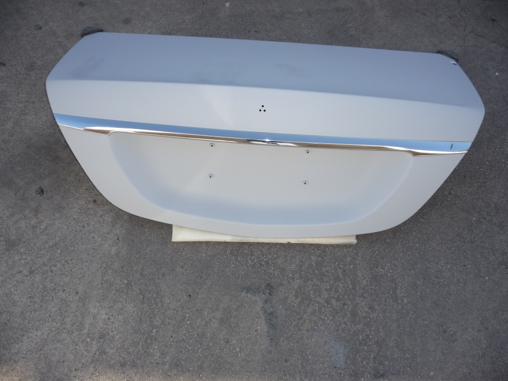 2014 2015 2016 2017 Mercedes Benz W222 S-Class S550 S63 S65 AMG Sedan Trunk Deck Lid 2227500075 OEM