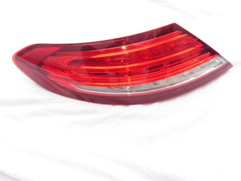 2017 2018 Mercedes Benz C300 Coupe Convertible Rear Left Driver Side Tail Light 2059066500 OEM OE